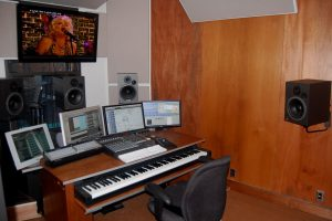 hhhhhh-300x200 Buld an Music Studio at Home